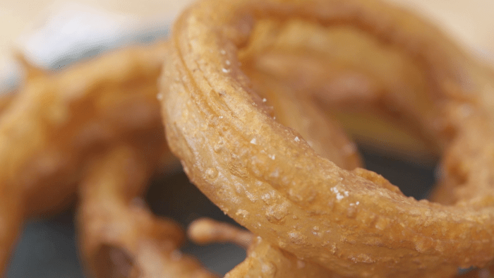 How To Make The Crispiest Onion Rings Ever